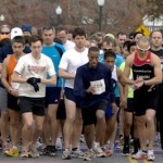 211627913911808893-runners_at_start_line_cropped