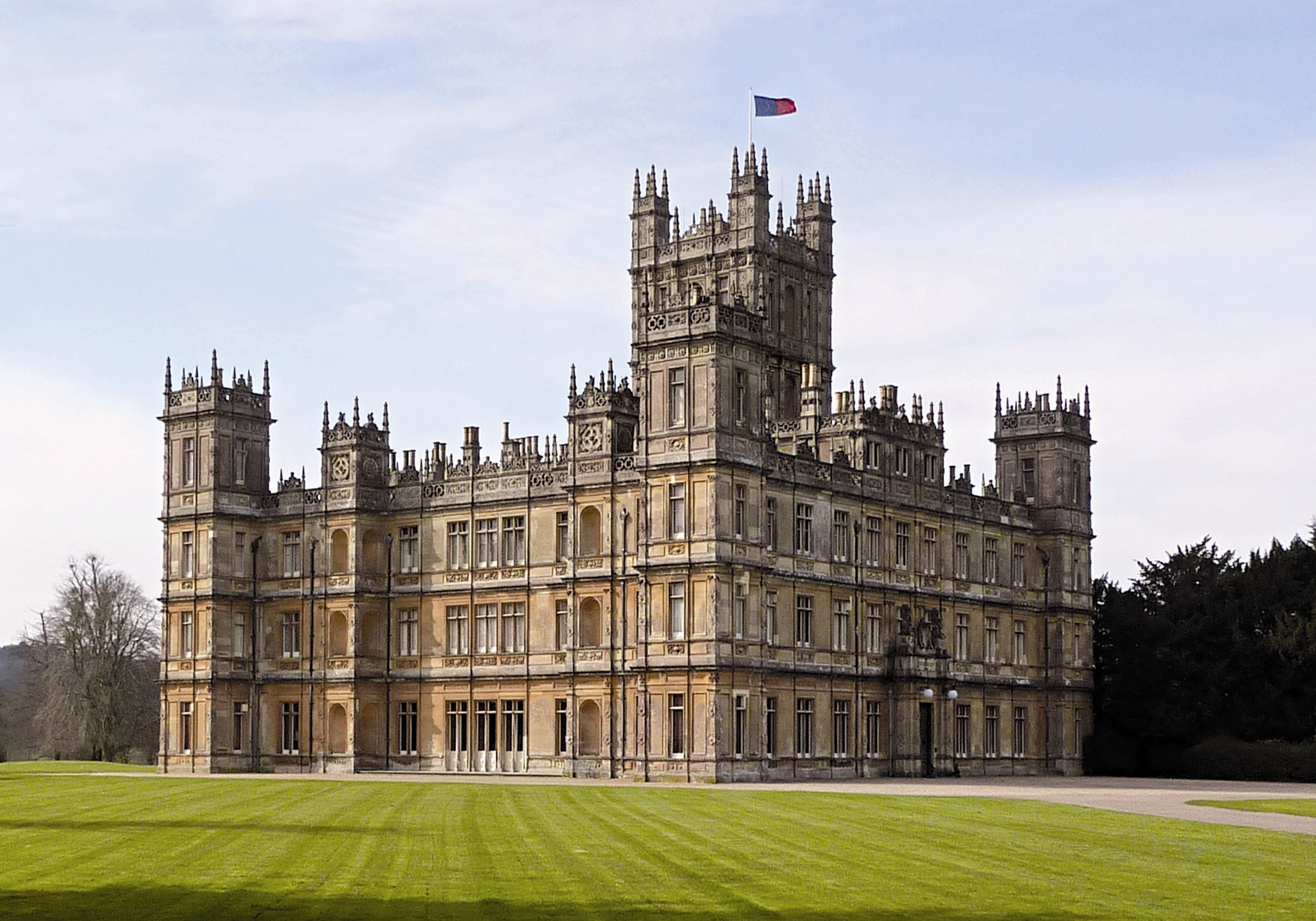 Archived race parkinson s uk run highclere highclere castle images f - Downton abbey chateau ...